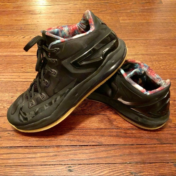 Nike LeBron 11 XI max low black Shoes 642849-078. M 5c5cd45ba31c335a7e58469e 3ae62ba72de